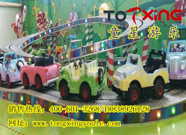 迷你穿梭游乐设备是一款双层轨道式游乐设备,设备制造新颖、款式独特,是一款公园必要的游乐设备,是由郑州郑州市童星游乐设备有限公司研制而成的一款游乐设备。此设备标配16辆车,当设备开动时,造型各异的车辆缓缓启动,翻山越岭,穿过涵洞的感觉使得游客体验到坐火车的真实感受、和过山车游乐设备才能体验的精彩,所以设备刚上市就受到了广大游客的追捧和喜爱。 郑州童星游乐设备有限公司是集大中型游乐设备的设计开发、生产制造的专业厂家,我厂开发生产的产品有霹雳摇滚、霹雳转盘、冲浪者、飞天转盘、翻滚音乐船、能量风暴,极速风车,摩天